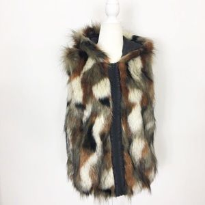 American Eagle faux fur zip up hooded vest